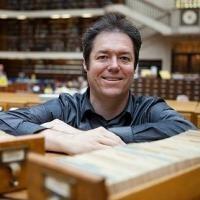 Dr Martin Thomas wins 2012 National Biography Award